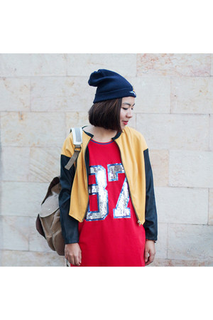 navy beanie boba babe Clothing hat - red H&M dress