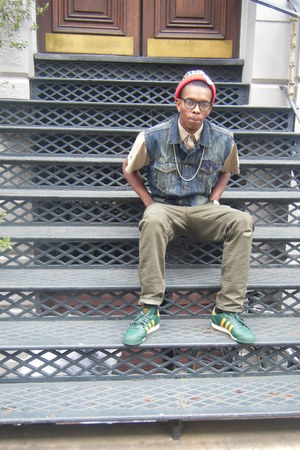 blue levi vest - dark green adidas sneakers - olive green polo pants