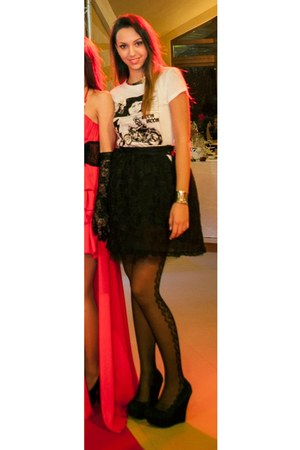 black lace Adina Junc skirt - silver metal H&M necklace