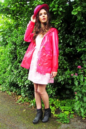 pink H&M coat - heeled chelsea new look boots - pink H&M hat