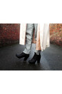 Black-chelsea-new-look-boots-off-white-rain-vintage-coat
