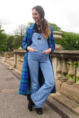 plaid vintage coat - chelsea new look boots - crop Ebay top