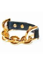 Black-unbranded-bracelet