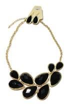 Black-unbranded-necklace