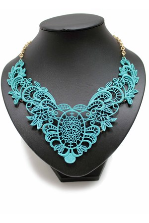 turquoise blue unbranded necklace