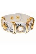 White-unbranded-bracelet
