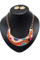 beaded unbranded necklace