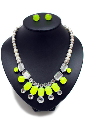 chartreuse unbranded necklace