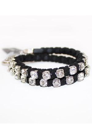 black unbranded bracelet