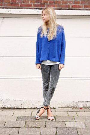 blue jumper