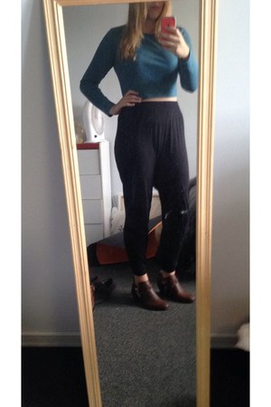 burnt orange Accessorize shoes - dark gray pants - teal Forever 21 top