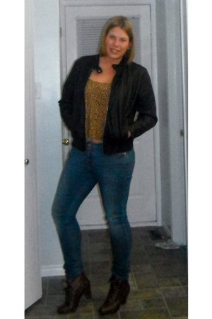 navy Guess jeans - dark brown Globo boots - black Old Navy jacket