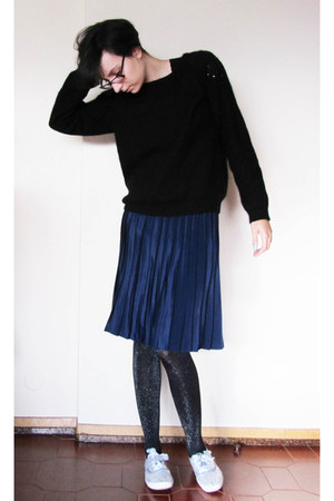 black sequins H&M sweater - navy plaid vintage skirt