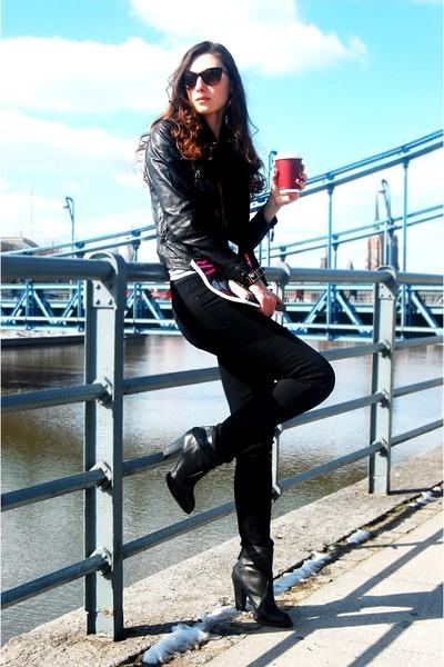 Zara boots - Zara jeans - Pull and Bear jacket