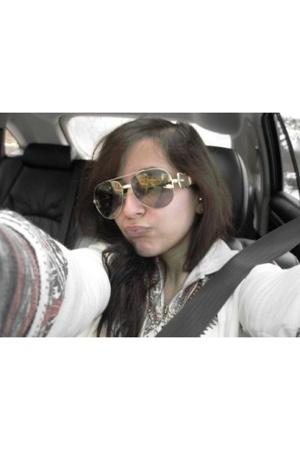 Fendi sunglasses - f21