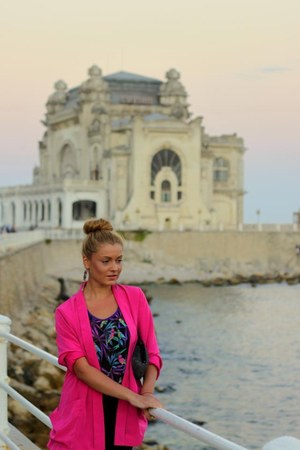 black BERSKA dress - hot pink Prag blazer - dark gray vintage bag