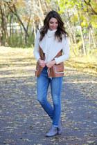 brown shearling vest Forever 21 vest - blue American Eagle jeans