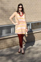 red coral necklace Street Vendor necklace - brick red minnie pants Jcrew pants -