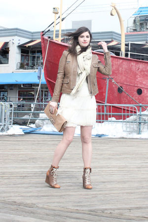 beige leather jacket cach jacket - beige bowling boots Chloe boots