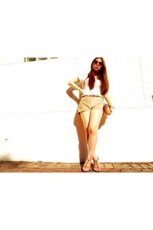 suede shorts H&M shorts - H&M sunglasses - Luvlicious t-shirt - asos belt - sued