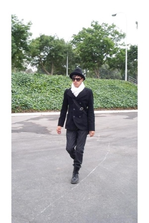 Kenneth Cole boots - coat - Guess jeans - Express scarf - Fendi sunglasses - hat