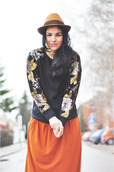 tawny vintage hat - tawny selfmade skirt - black Sheinside sweatshirt