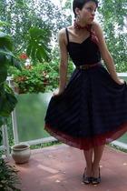vintage scarf - vintage dress - Mango shoes - legend belt