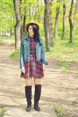 ruby red 6ks dress - brown Vinatge hat - blue Guess jacket
