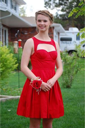 polyester modcloth dress - suede merona heels
