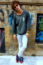 vintage glasses - vintage sweater - Zara jeans - El Ganso shoes