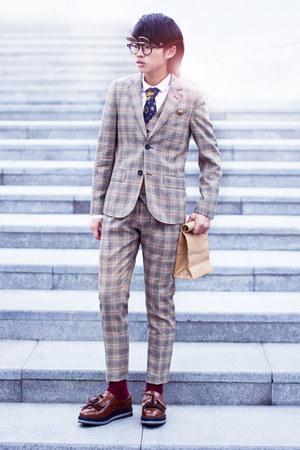 DANDYINNE suit