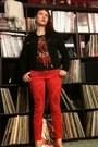 Red-joes-jeans-jeans-black-levis-jacket-black-t-shirt