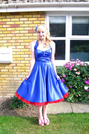 blue dress - red shoes - red earrings - red necklace - blue accessories
