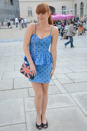 blue peplum GINA TRICOT dress - red union jack Primark bag