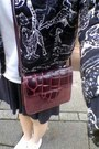 Black-h-m-jacket-maroon-thrifted-bag-white-dresslink-t-shirt