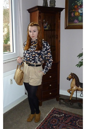 beige H&M shorts - camel Secondhand bag - tawny new look wedges