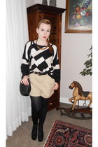 black H&M sweater - black bonita bag - beige H&M shorts - black H&M wedges