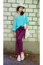 sky blue self-made jumper - magenta New Yorker jeans - cream Zolla hat
