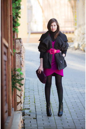 hot pink Oggi belt - black faux leather Centro boots - hot pink Fantosh dress