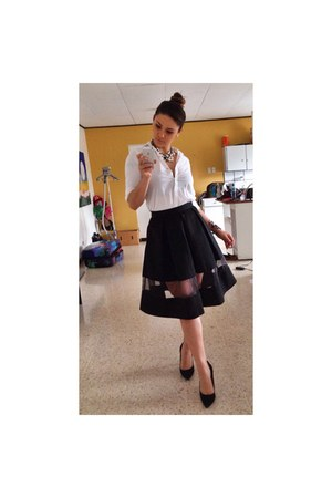 black classic fridays Zara skirt