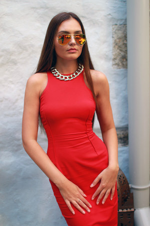 Zara dress - Ray Ban sunglasses