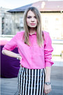 Black-pull-bear-jacket-bubble-gum-h-m-shirt-black-front-row-shop-skirt