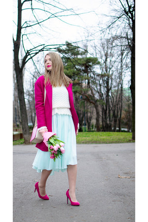 cream vintage sweater - hot pink Romwecom coat