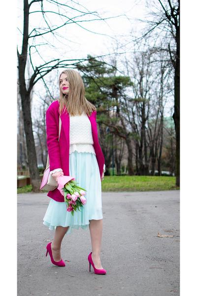 cream vintage sweater - hot pink Romwecom coat