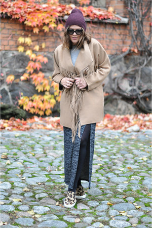 neutral H&M coat