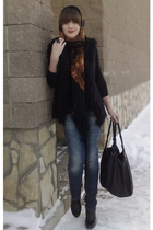 brown vintage scarf - black Zara vest