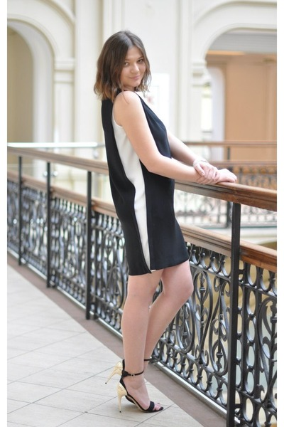 black Moschino dress