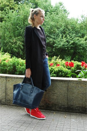 navy Zara bag