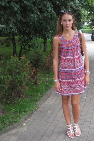 pink camaieu dress