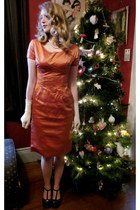 burnt orange silk vintage dress - black second hand heels